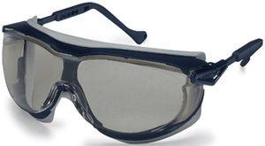 U9175.261 UVEX SKYGUARD füstszínű szemüveg